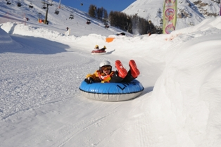 Livigno - Livigno is ideal area for kids - snow tubing in Livigno centre